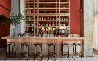WE'RE TAKING SERIOUS DÉCOR TIPS FROM THESE RESTAURANT DINING ROOMS